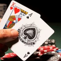 How To Manage Your Money When Playing Poker